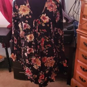 Pretty Floral dress with lace detail